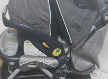 عربة شيكو اصلية للبيع بكرسي السيارة