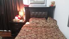 غرفة نوم كاملة مع السجادة والكنب والستارة ولوحة جدارية بسعر مغري فقط 1800