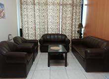 كبيرة عرض العلامة التجارية أريكة جديدة المحددة للبيع فقط 500 درهم