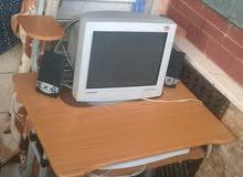 كبيوتر سامسونج بحاله جيده جدا +طاوله