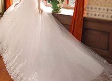 للبيع فستان زفاف مع الطرحه