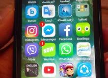 هاتف ايفون5سي سعة8جيجا معاه حافظة ولصقة ضد الكسر