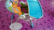 كرسي طعام للطفل ماركة chicco مستعمل نظيف للبيع