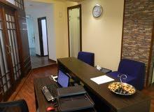 مكاتب للإيجار بكامل الأثاث والخدمات