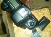 كاميرا 5d بدون العدسة معها الشاحن الاصلي والبطارية الاصلية وكارت الميموري الاصلي