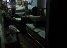 الشقة 140م ثلاث غرف و حالة كبيرة ارج و مطبخ و حمام كبار