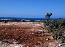 ارض استراحات 2600م مشرفه علي البحر في الحنيه. تم تعديل السعر