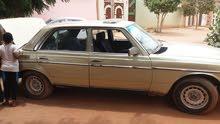 مرسيدس 1983 للبيع