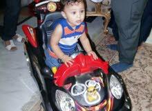 عربية بالريموت تصلح لطفلين بالبطارية بحالة ممتازة