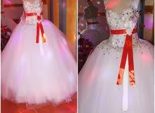 فستان زفاف وخطبة للبيع مستعمل وجديد البيع كميات