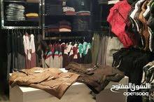 محل البسه للبيع ديكور كامل / شارع الحمامات التونسيه _  شارع حيوي بجانب فنادق