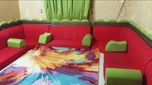 ثلاجه ومجلس وغرف نوم