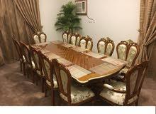 طاولة طعام vip كبيرة و فاخرة و جديدة عدد 12 شخص
