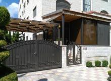 شقة ارضية مميزة مع حديقة في اول مرج الحمام قرب مدارس العقيق من المالك