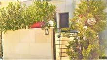 شقة ارضية في ضاحية النخيل125م+تراس35م على شارع المطار خربة سكا جديدة لم تسكن بعد