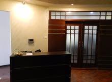 مكتب جاهز للعمل ومزود بكافة الخدمات/رخصة مهن