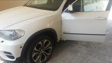 للبيع BMW  x5 2011 ابيض بحالة الوكالة نظيفة جدا
