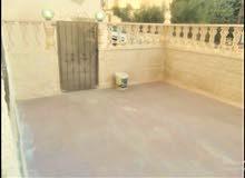 شقة ارضية في طبربور150م وتراس وكراج مستقل80م جديدة