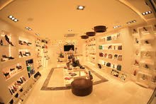 ديكور فخم لمحل أحذية وشنط للبيع