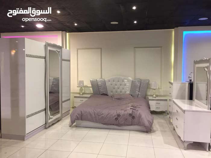 للبيع غرفة نوم جديدة و مميزة بلمسات عصرية